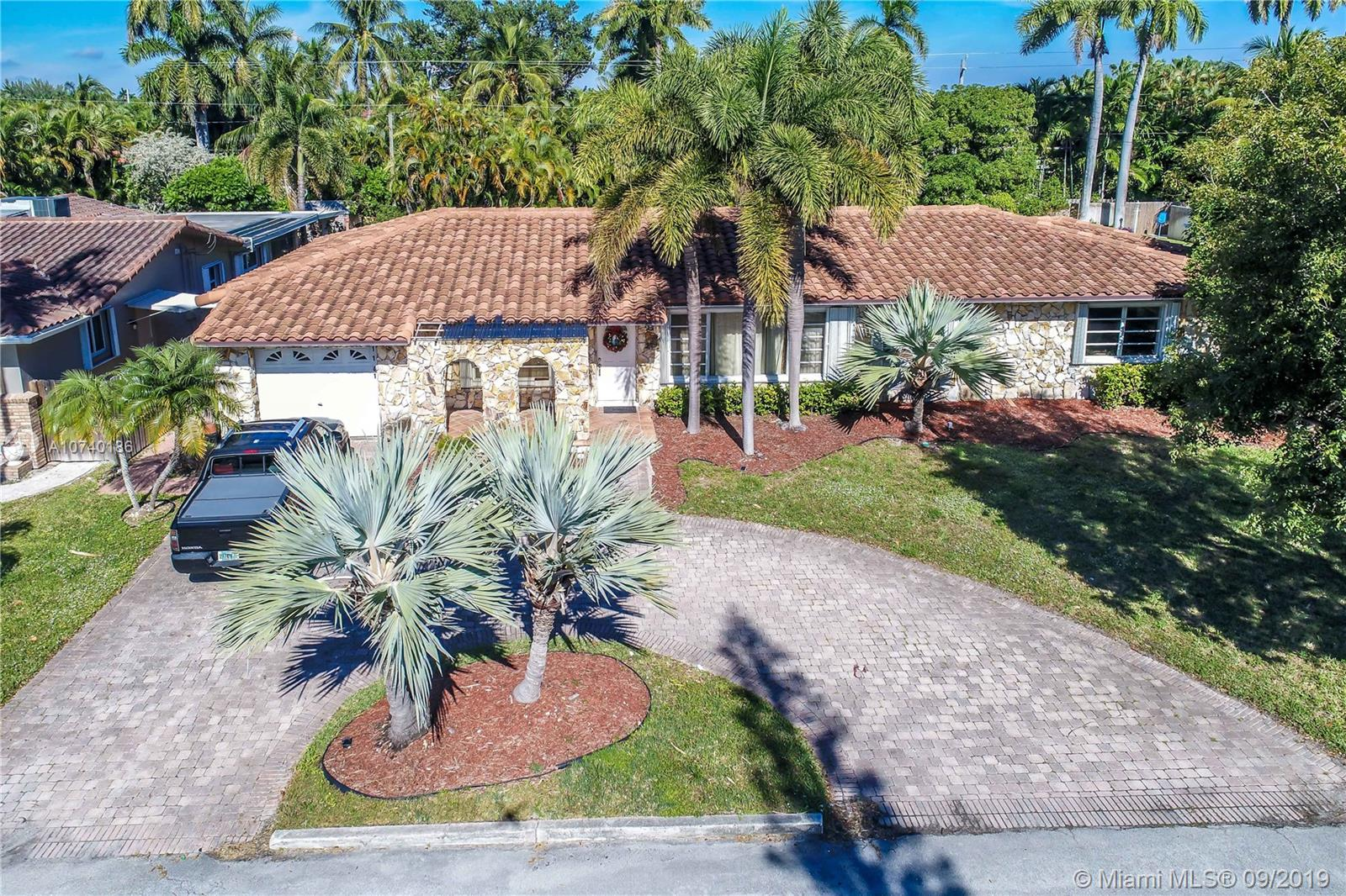 1141  Adams St  For Sale A10740186, FL