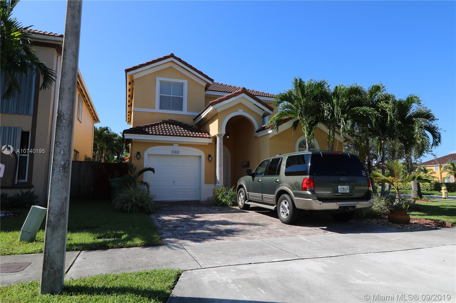 16496 SW 84th Ln  For Sale A10740195, FL