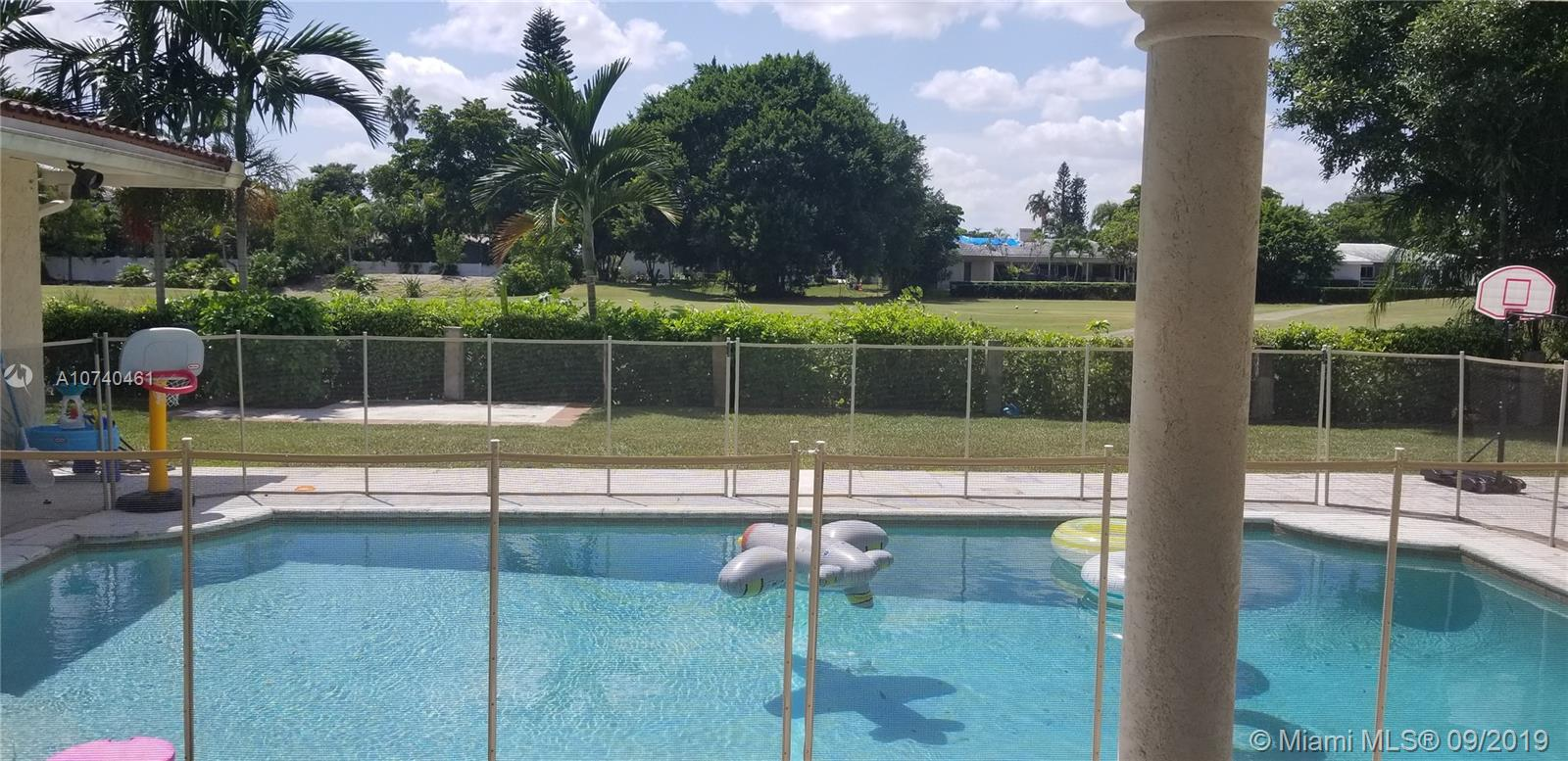 3520 N 52nd Ave  For Sale A10740461, FL