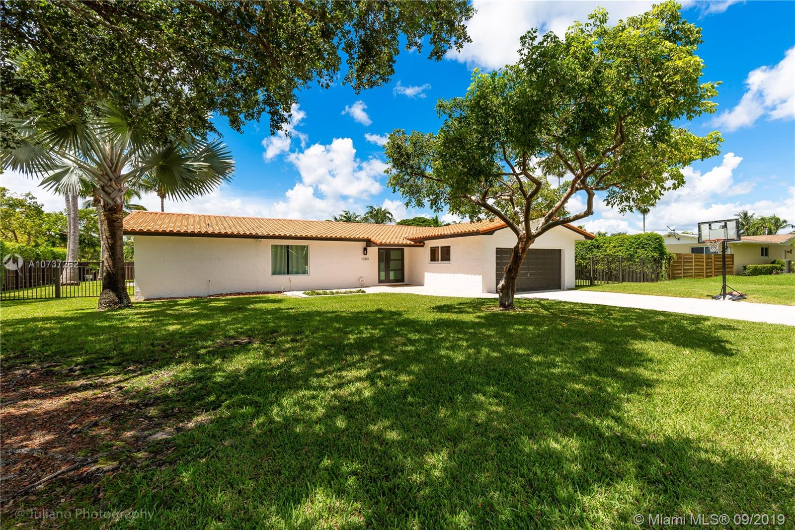 10301 SW 121st St  For Sale A10737262, FL