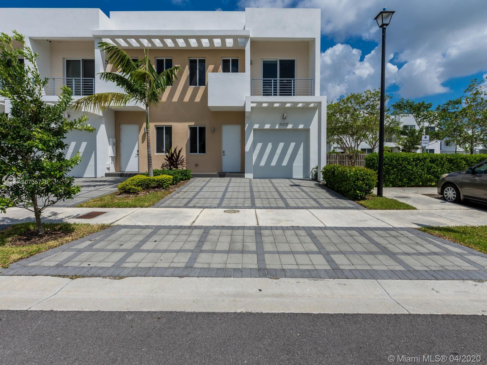 10235 NW 72nd St  For Sale A10735778, FL