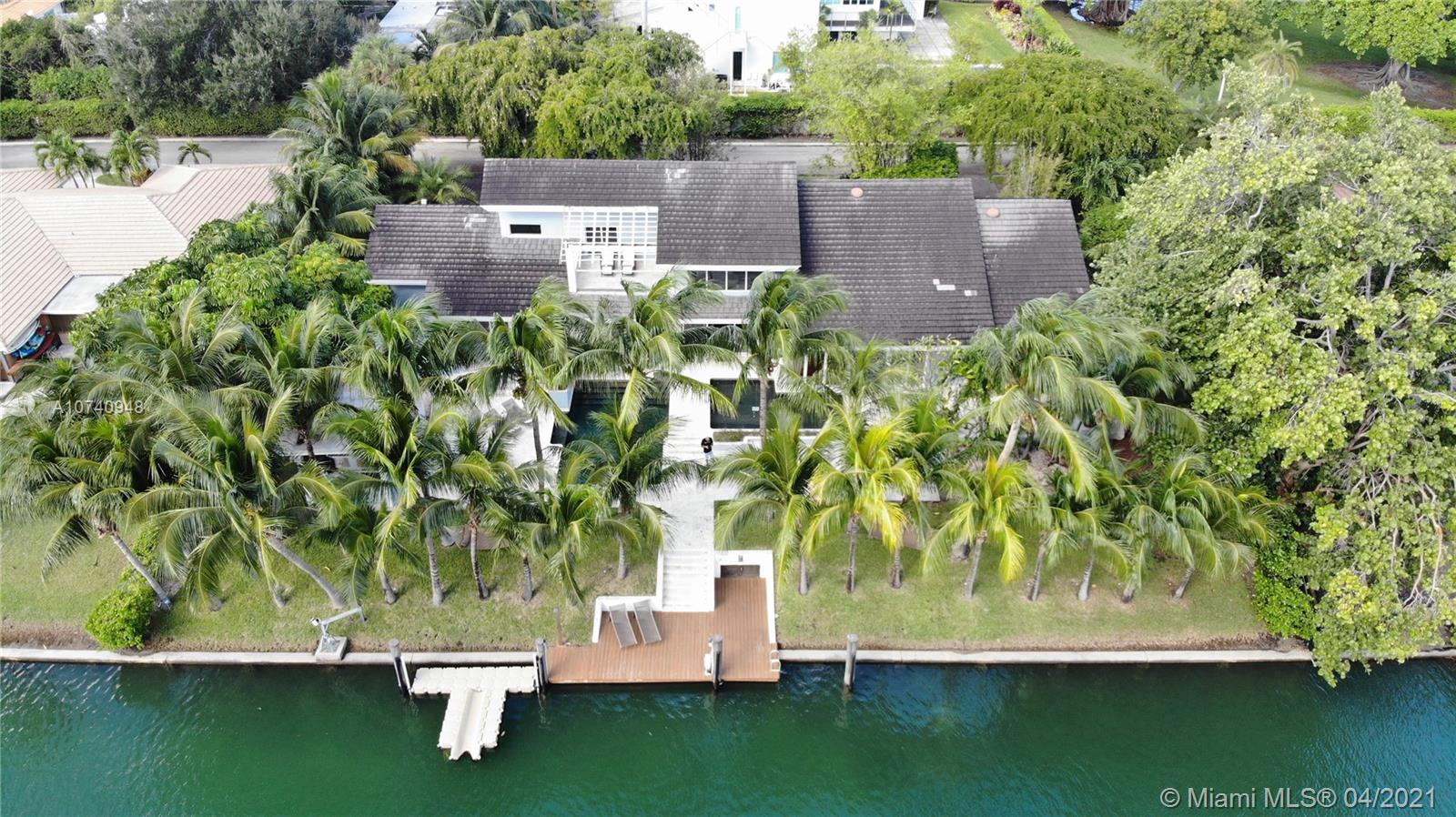 700  Lake Rd  For Sale A10740948, FL