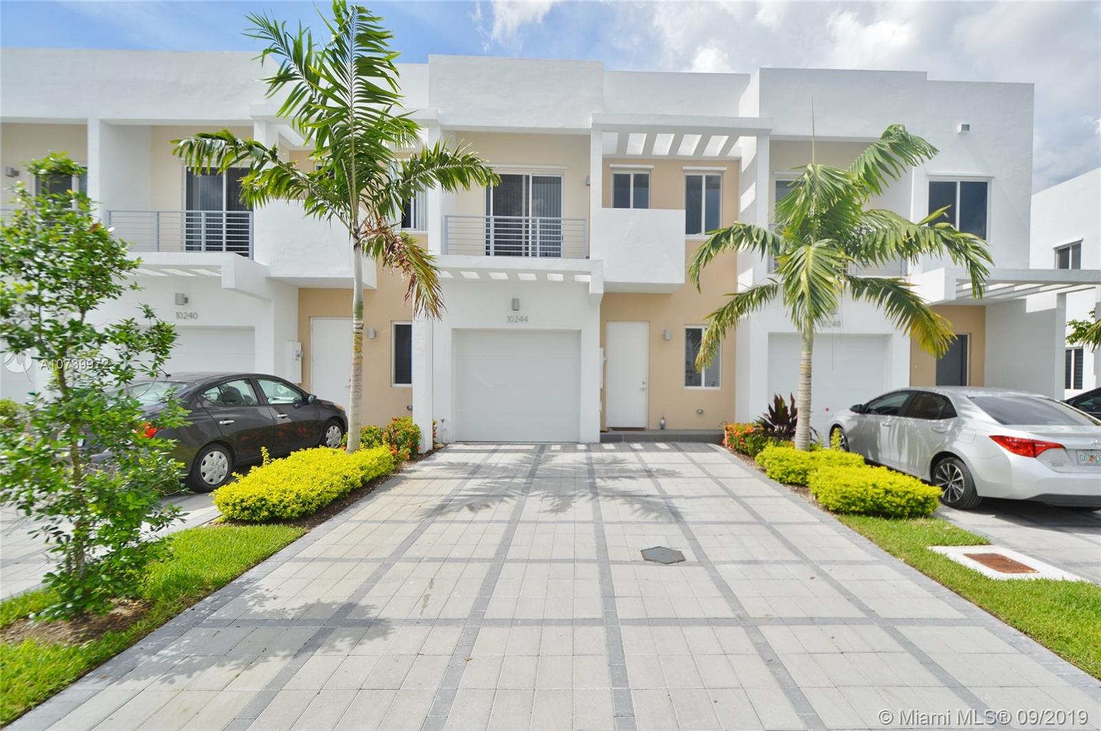10244 NW 71st Ter #10244 For Sale A10739972, FL
