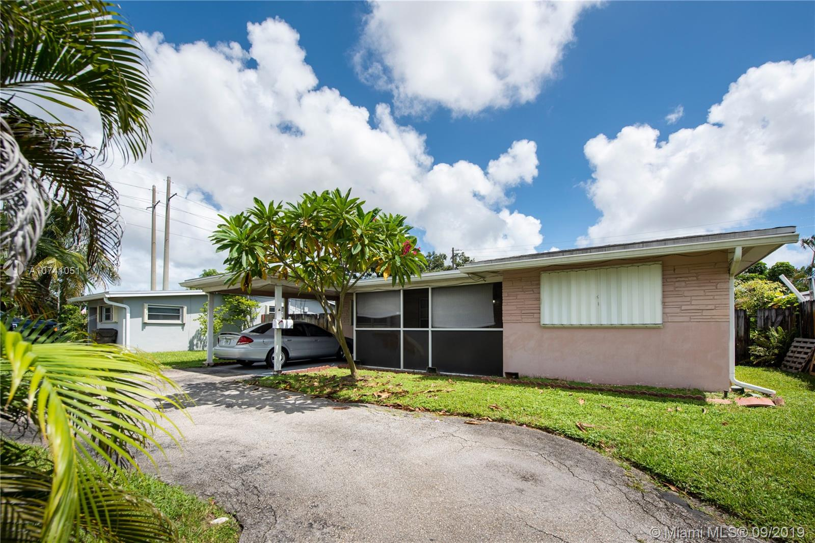 2331 N 68th Ave  For Sale A10741051, FL