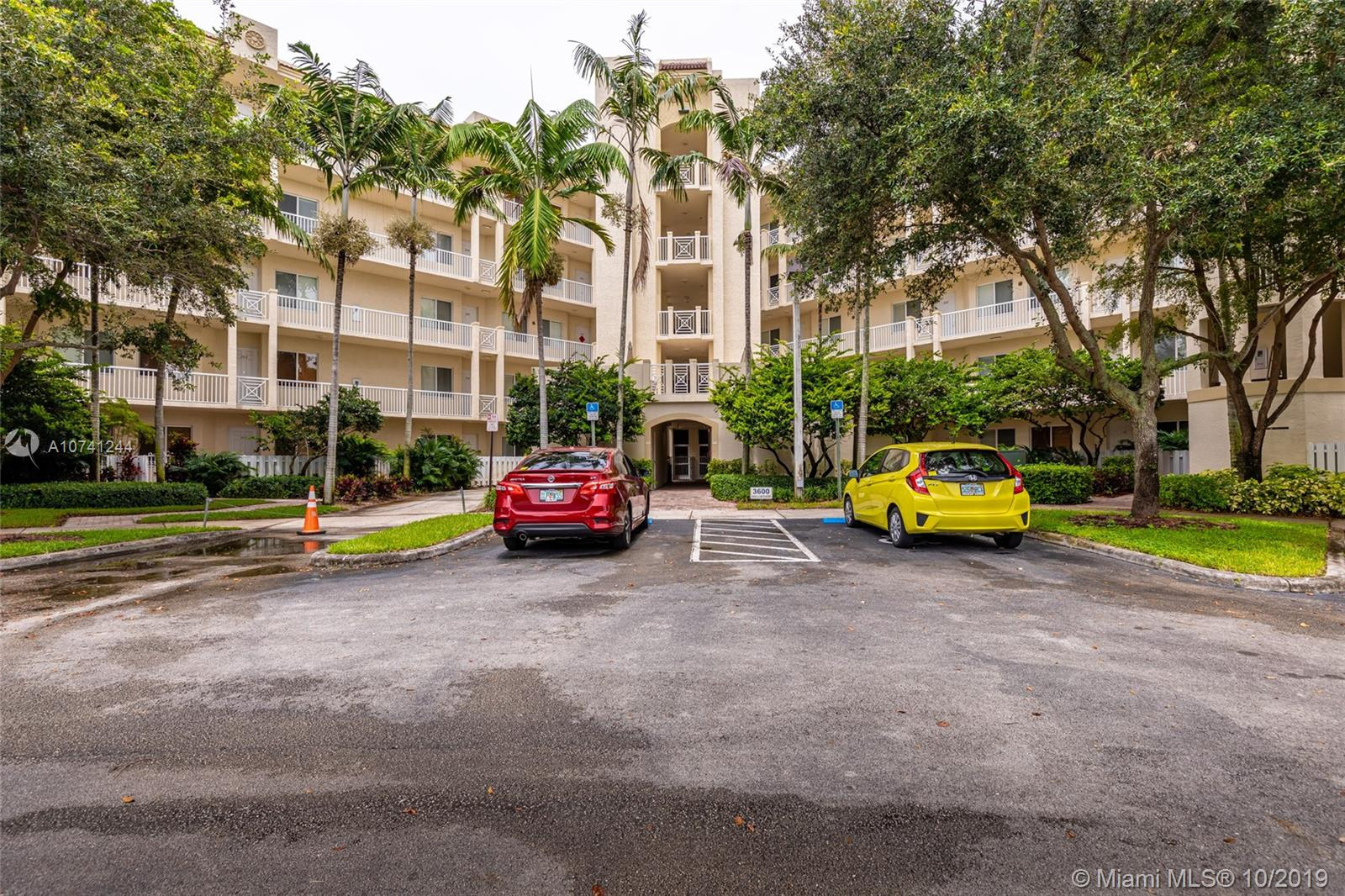 3600  Oaks Clubhouse Dr #305 For Sale A10741244, FL