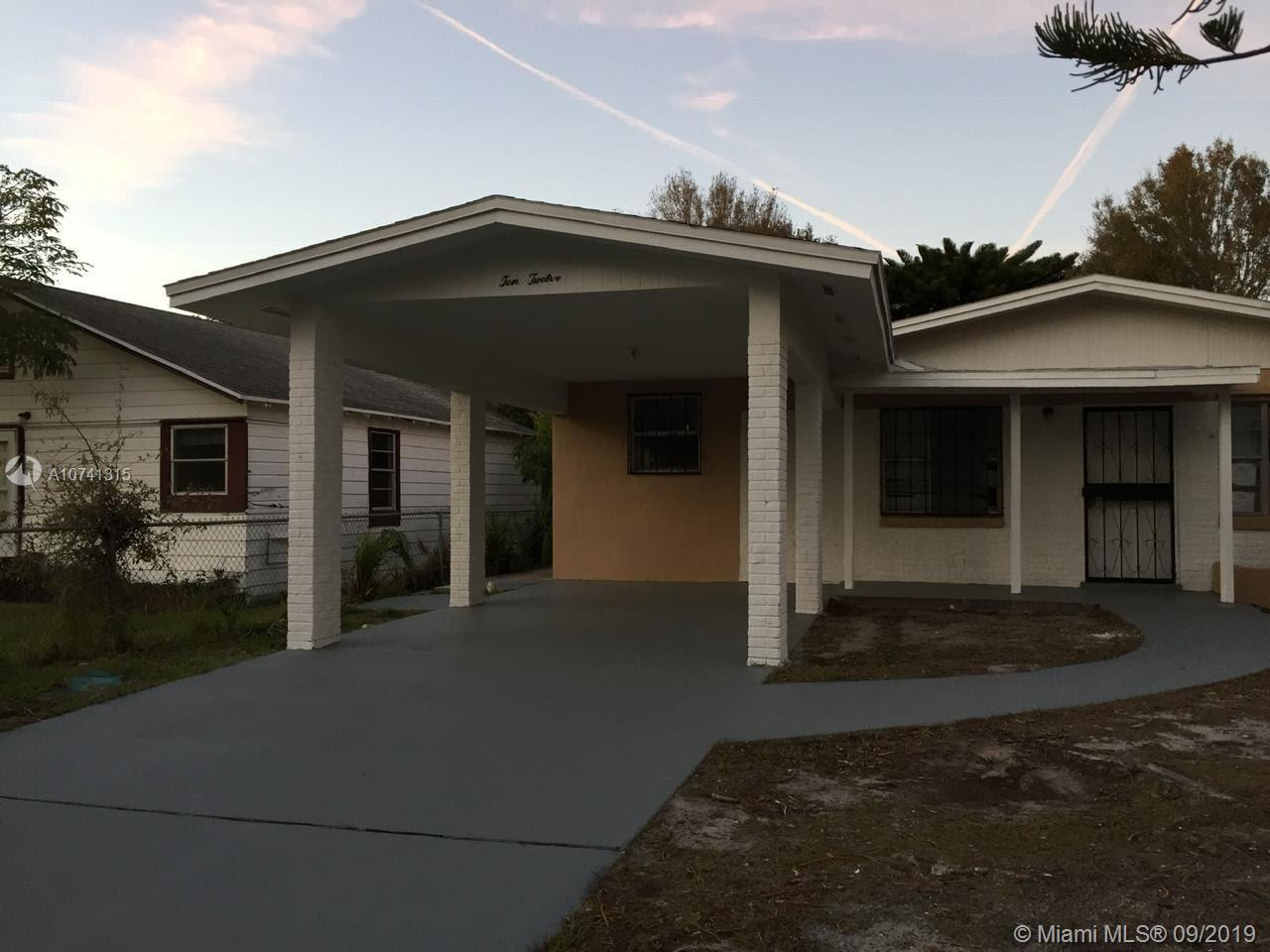 1012 Avenue G, Fort Pierce, FL 34950