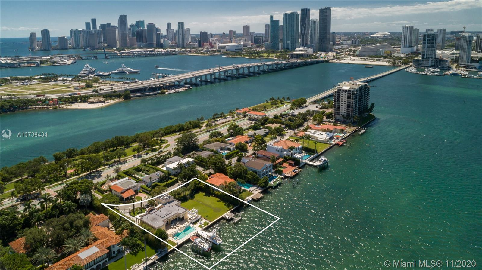921 N Venetian Dr  For Sale A10738434, FL