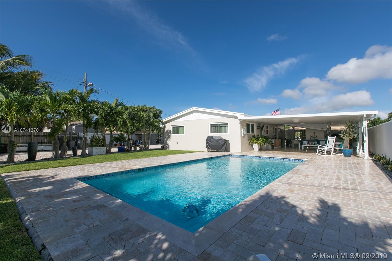 9290 SE Martinique Dr  For Sale A10741270, FL