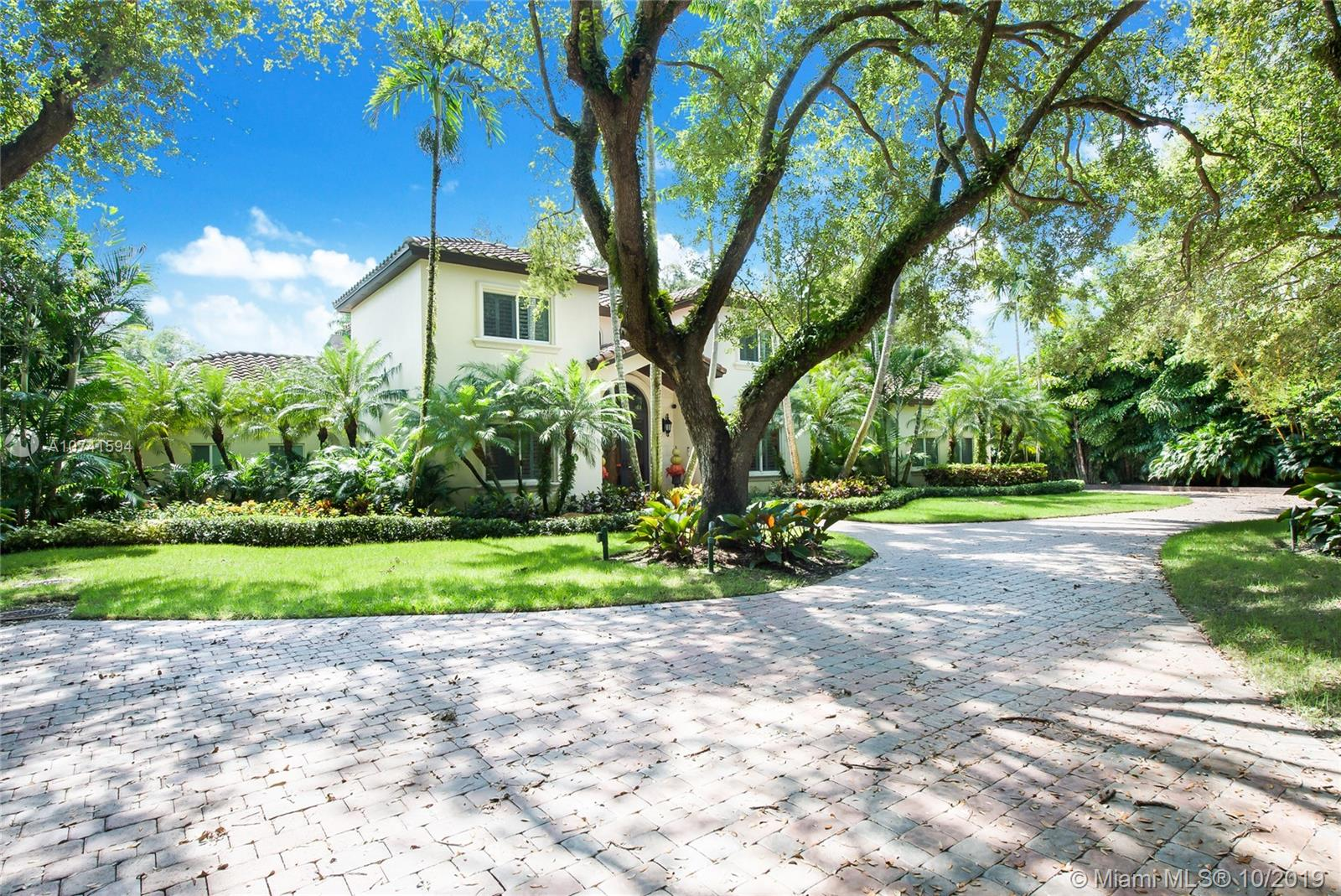 11000 SW 69th Ave  For Sale A10741594, FL