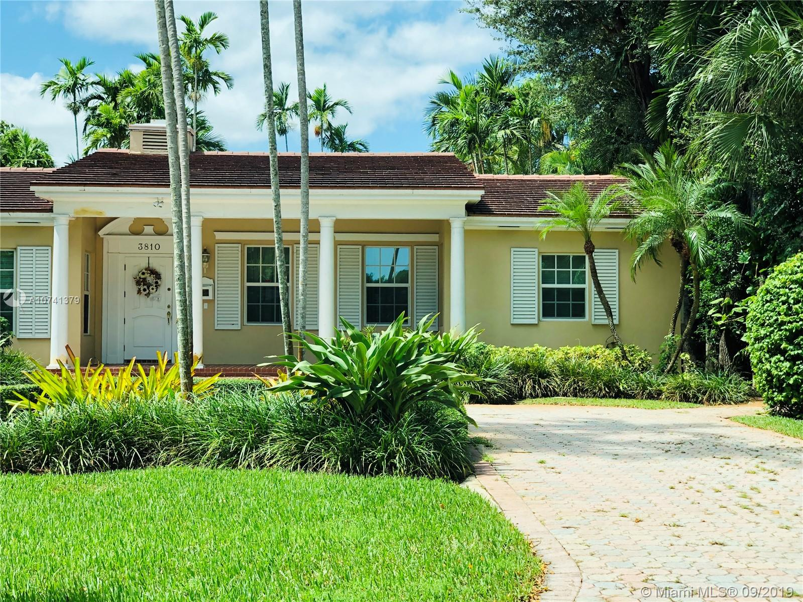 3810  Alhambra Cir  For Sale A10741379, FL