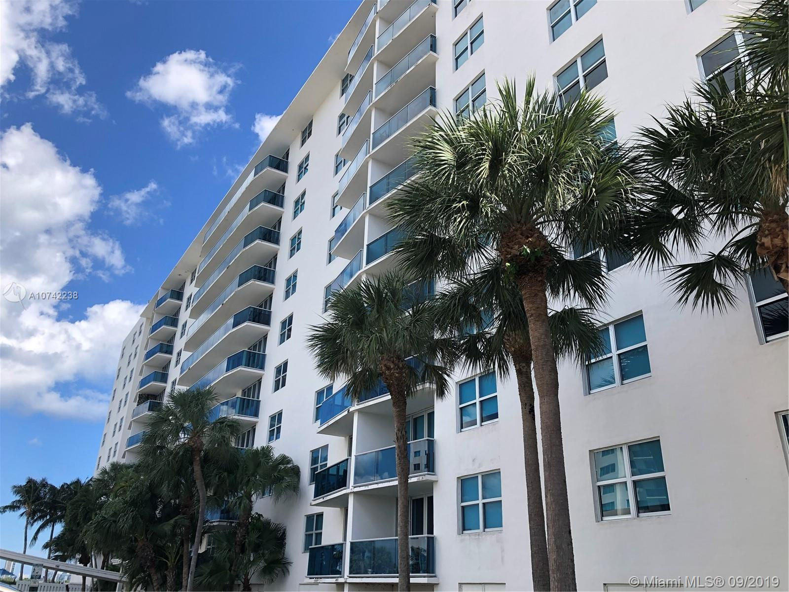 7501 E Treasure Dr #3L For Sale A10742238, FL