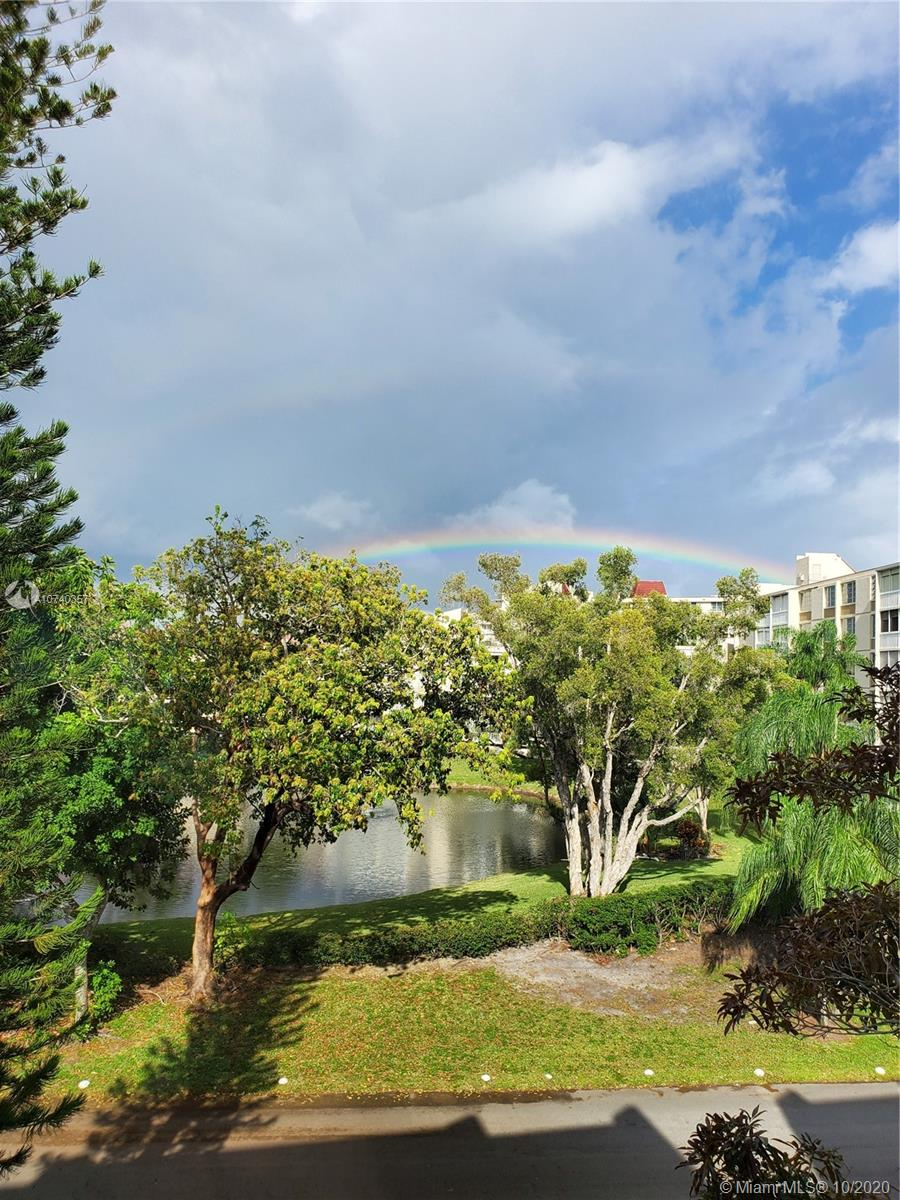 7080  Environ Blvd #424 For Sale A10740357, FL