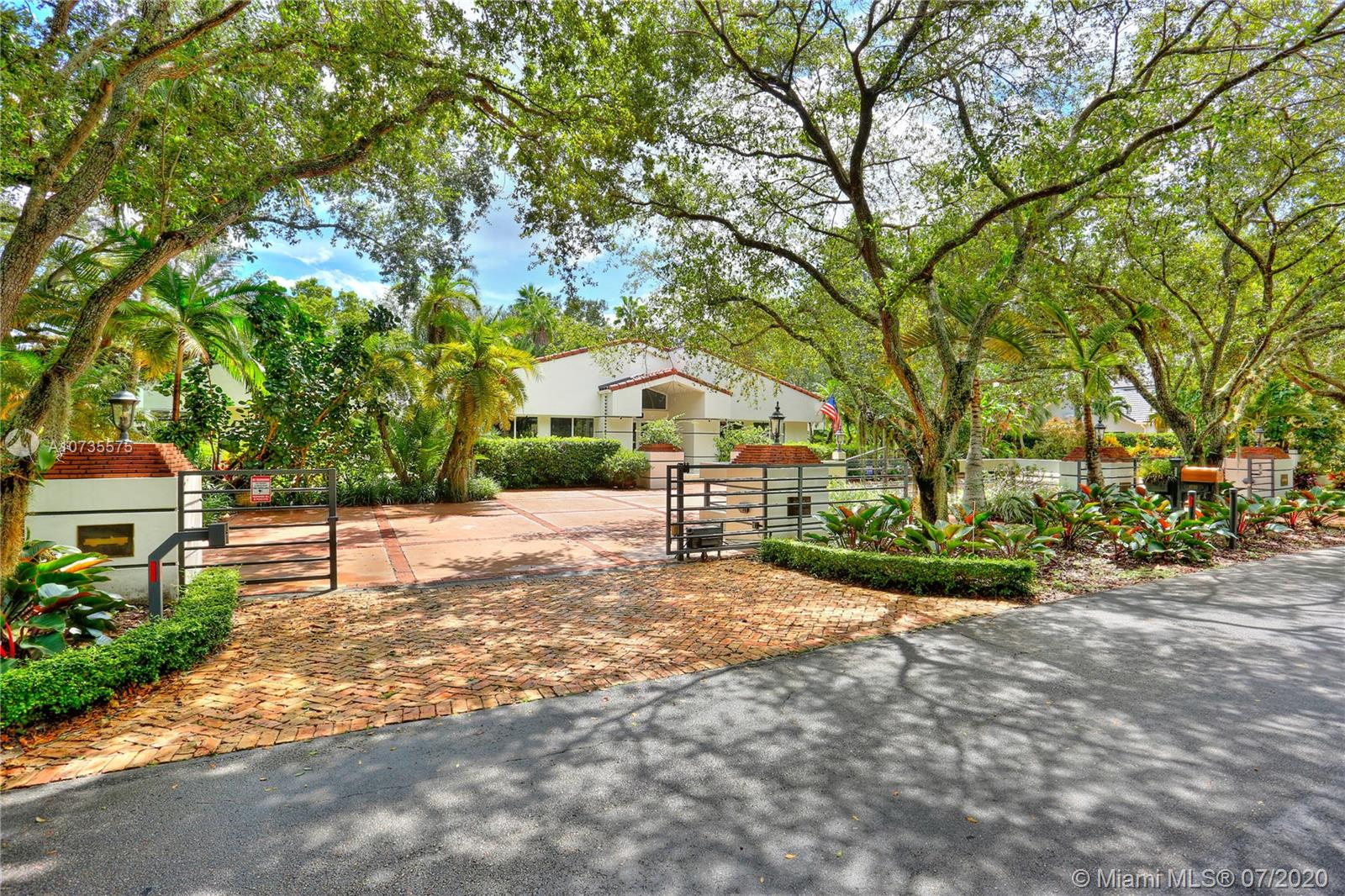 8750 SW 100th St  For Sale A10735575, FL