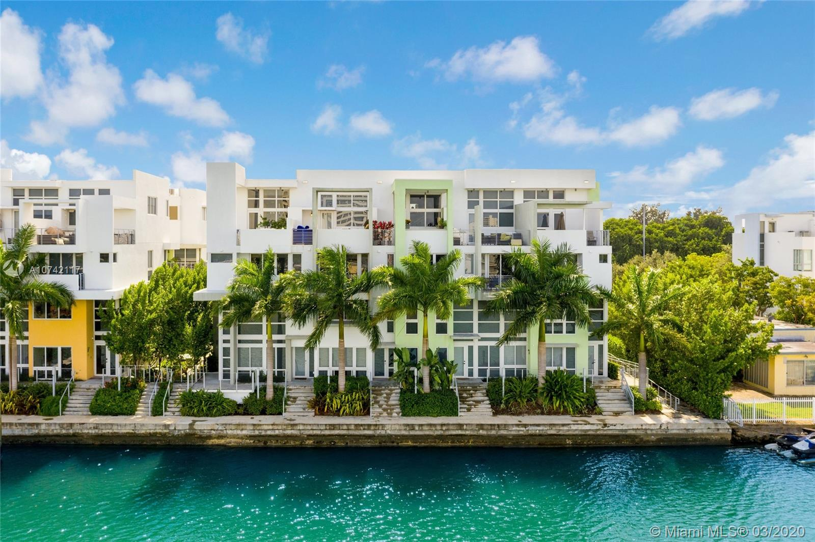 97 N Shore Dr  For Sale A10742117, FL
