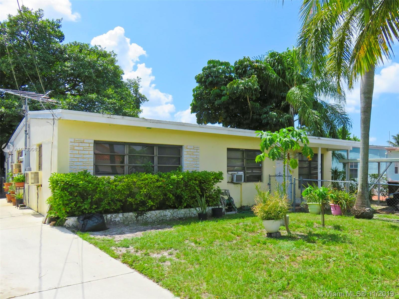 560 E 53rd St  For Sale A10739083, FL