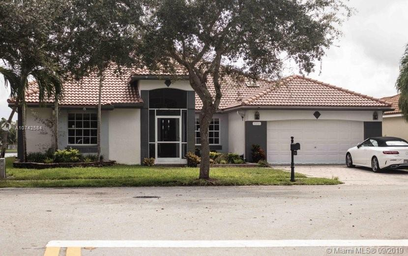 Excellent conditionNew Floor 2019, New roof 2015, New bathroom 2016, Garage can be play room (AC & Flooring)  Lakes views (wide lake - not a small canal) Sell with or without furniture.