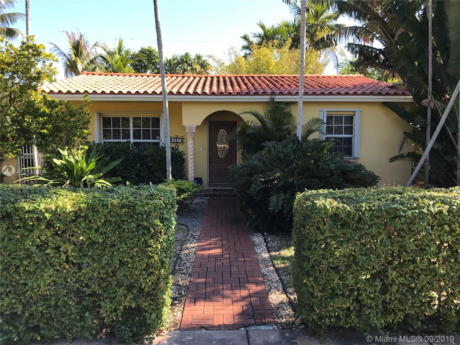 837  Wallace St  For Sale A10739516, FL