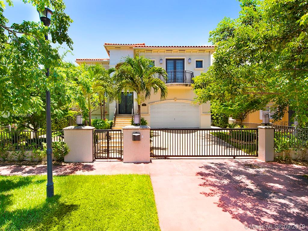6034  Pine Tree Dr  For Sale A10742936, FL