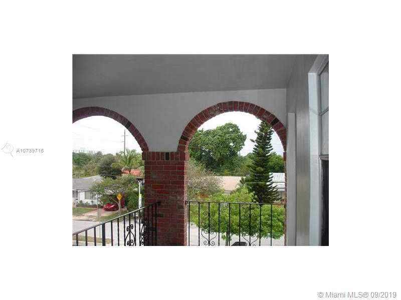 2415  LINCOLN ST #301 For Sale A10739715, FL