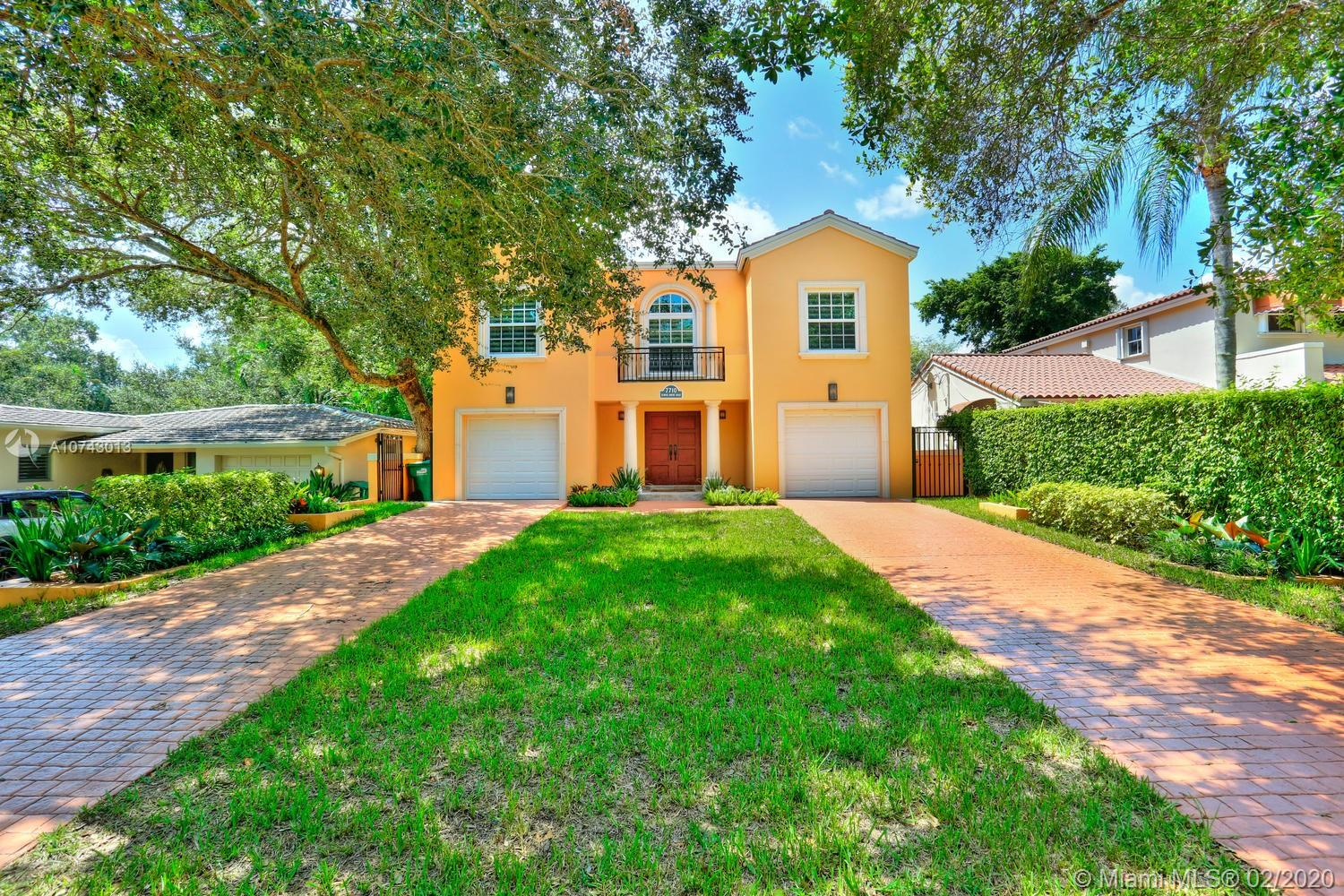 7710 SW 52nd Ave  For Sale A10743013, FL