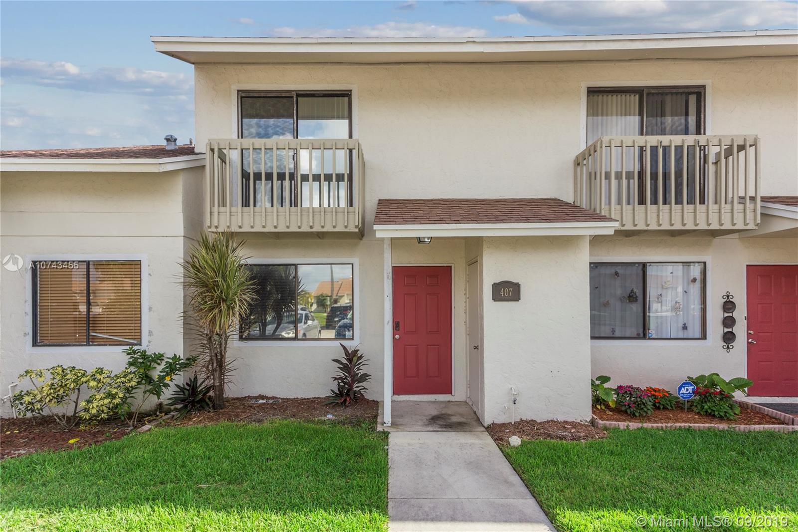 407 Shoreview Dr, Green Acres, FL 33463