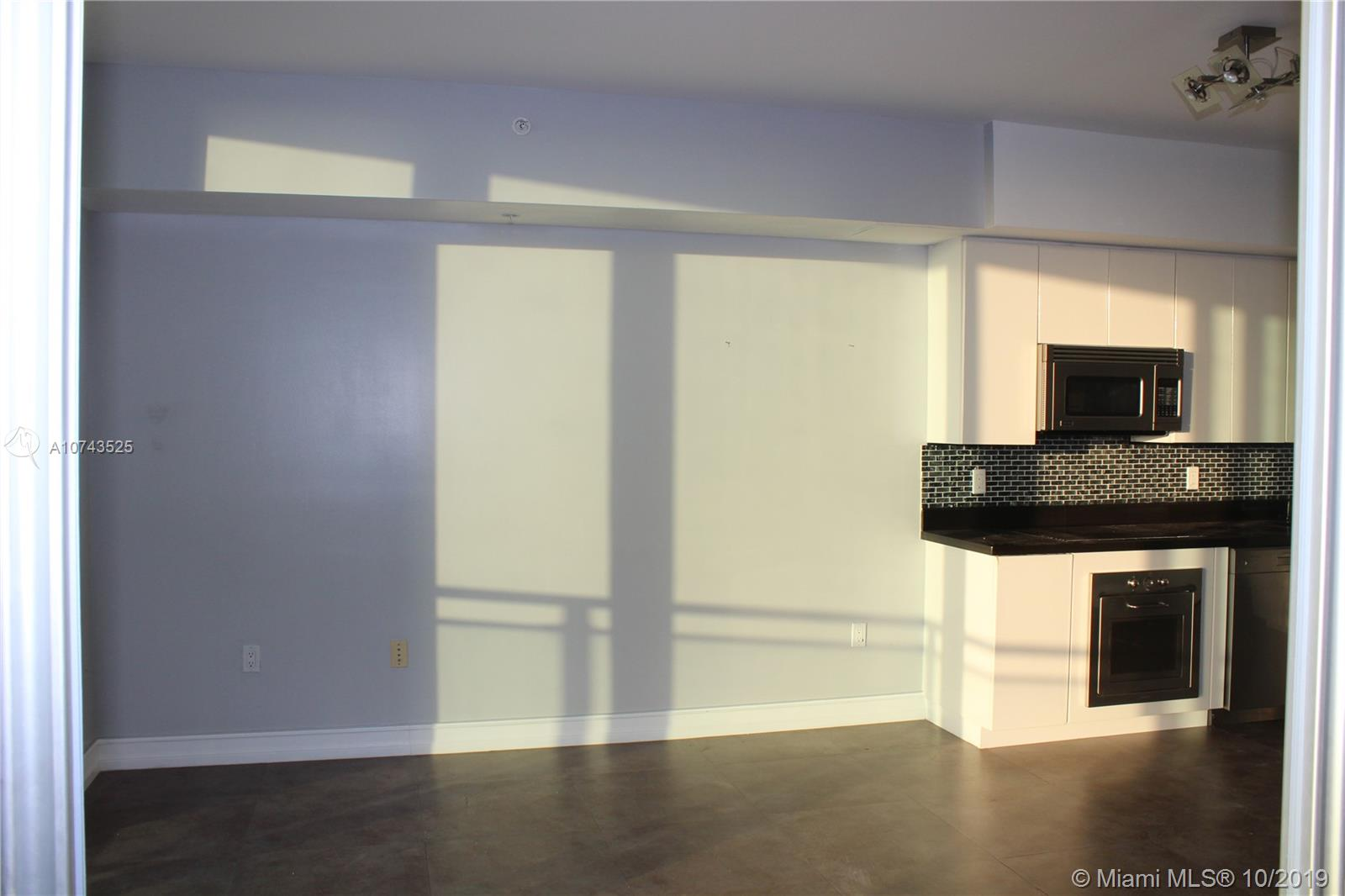 92 SW 3rd St #1607 For Sale A10743525, FL