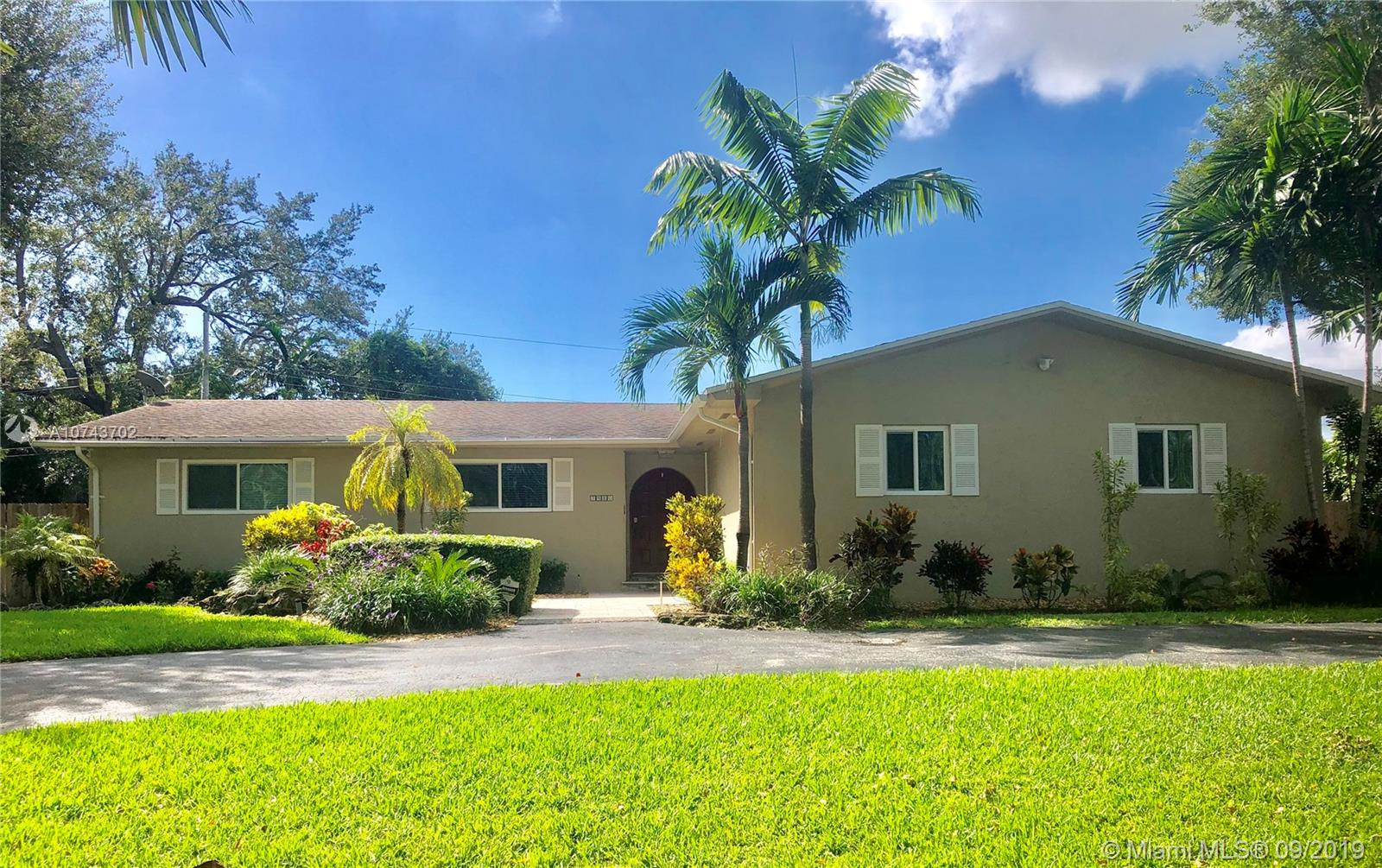 7480 SW 172nd St  For Sale A10743702, FL