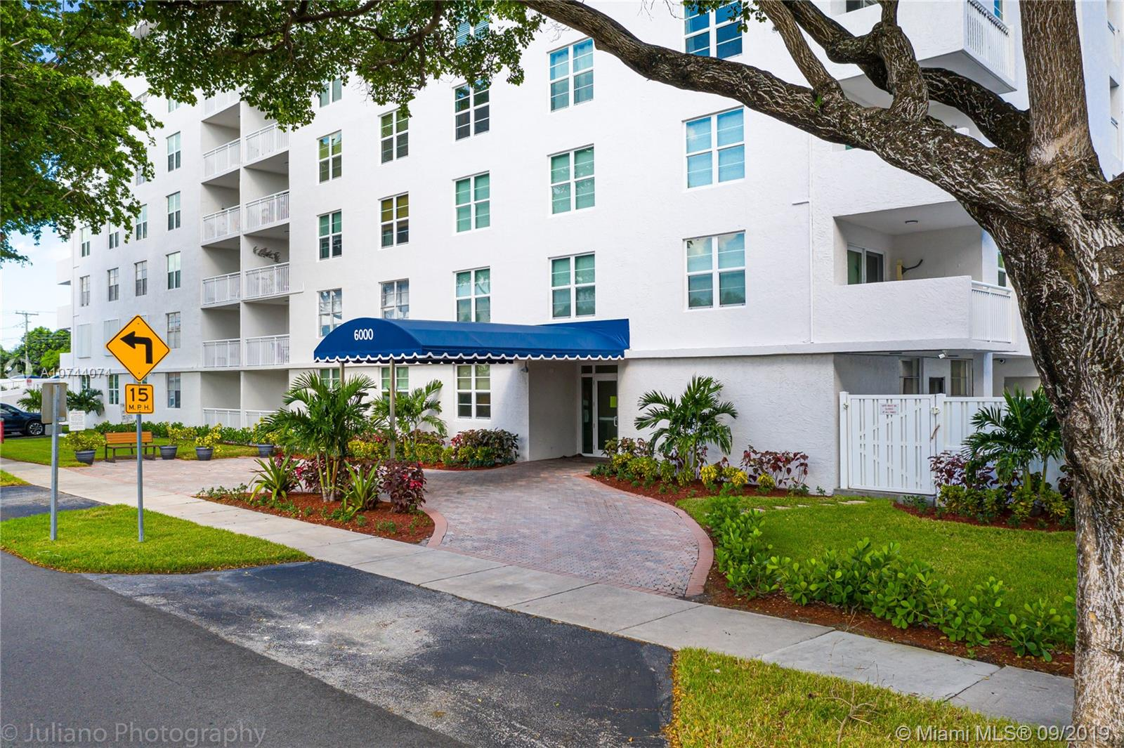 6000 NE 22nd Way #5F For Sale A10744074, FL