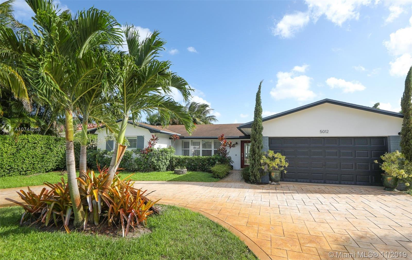 5012  Mckinley St  For Sale A10744258, FL