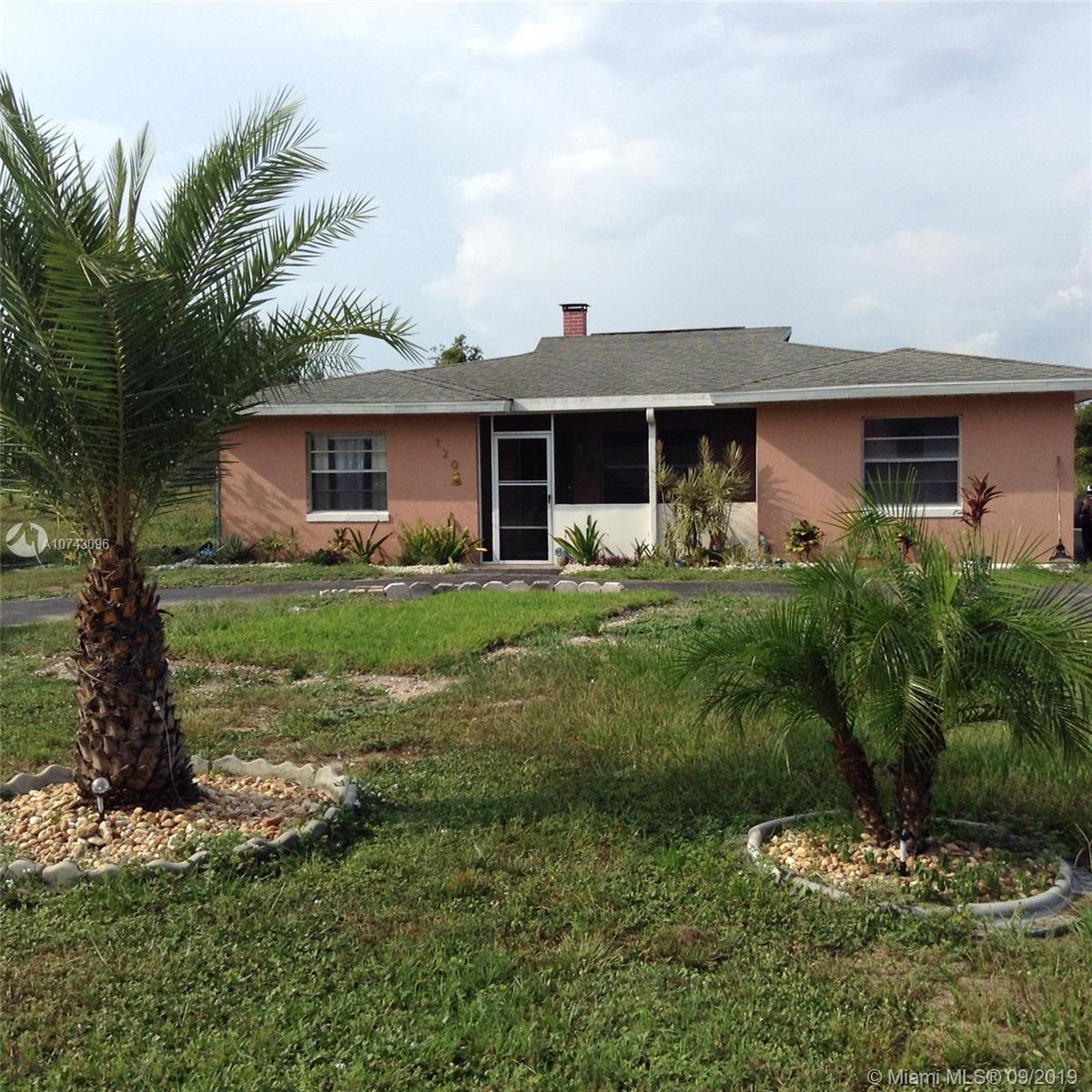 120  Lake Ridge Drive  For Sale A10743096, FL