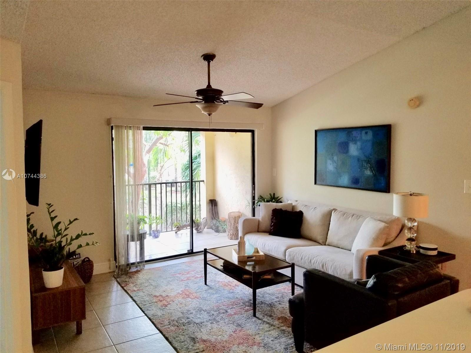 560 S Park Rd #22-7 For Sale A10744386, FL