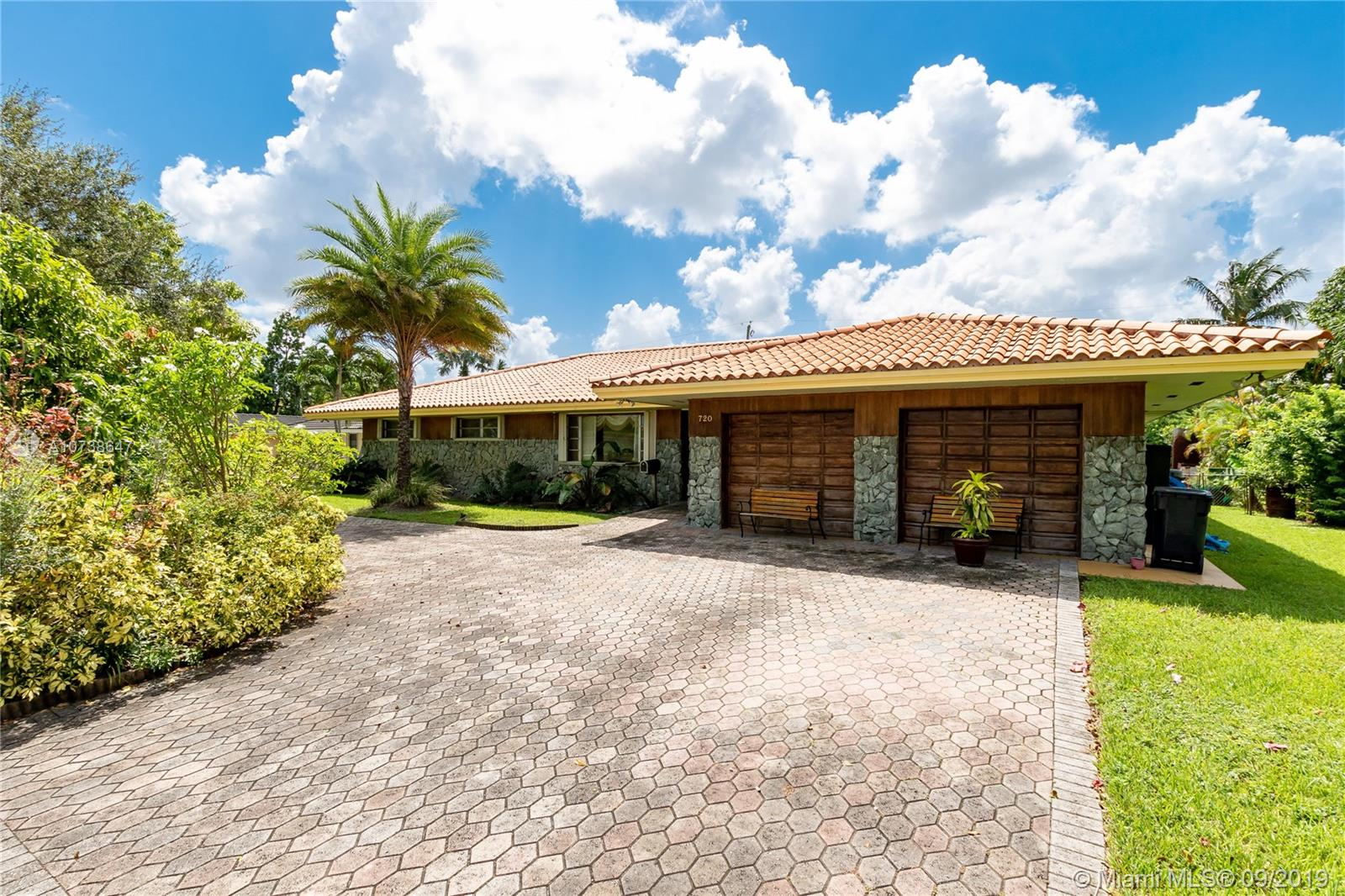 720  Nightingale Ave  For Sale A10738647, FL