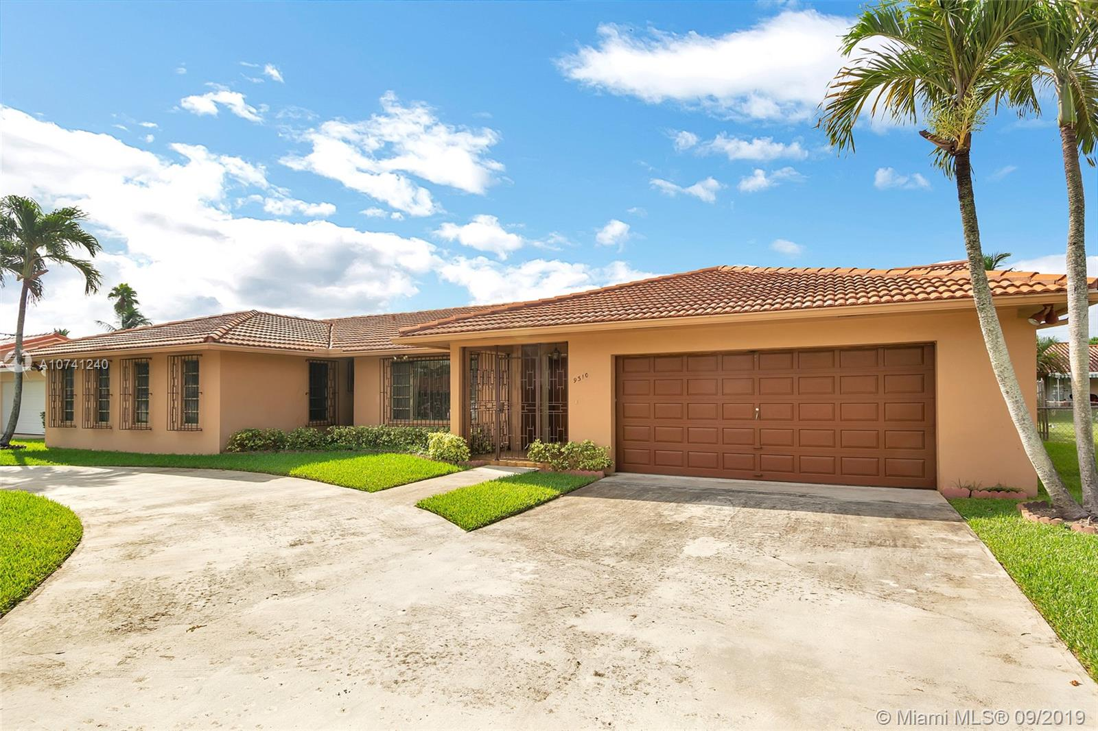 9310 SW 70th St  For Sale A10741240, FL