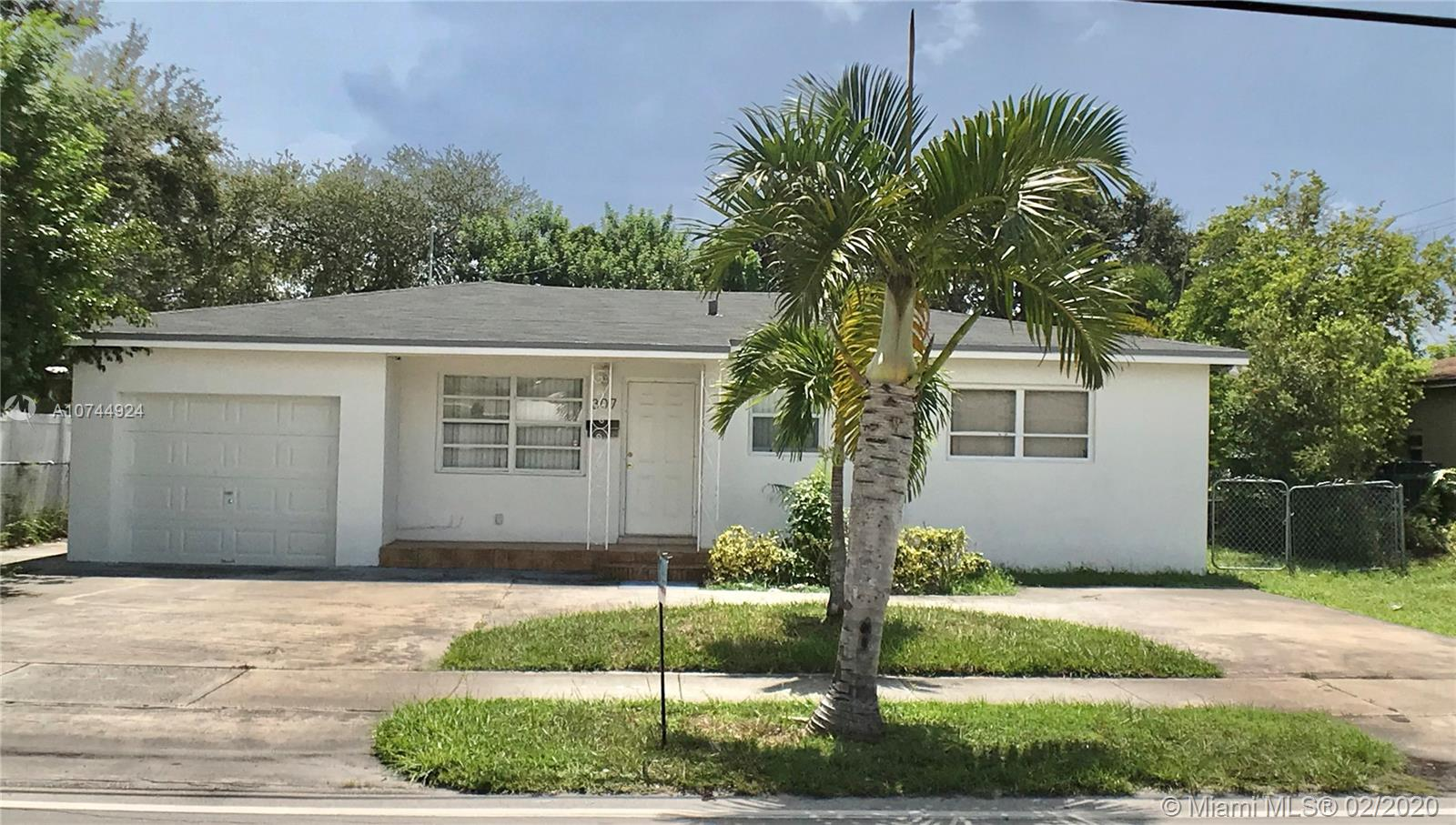307 S 28 Ave  For Sale A10744924, FL