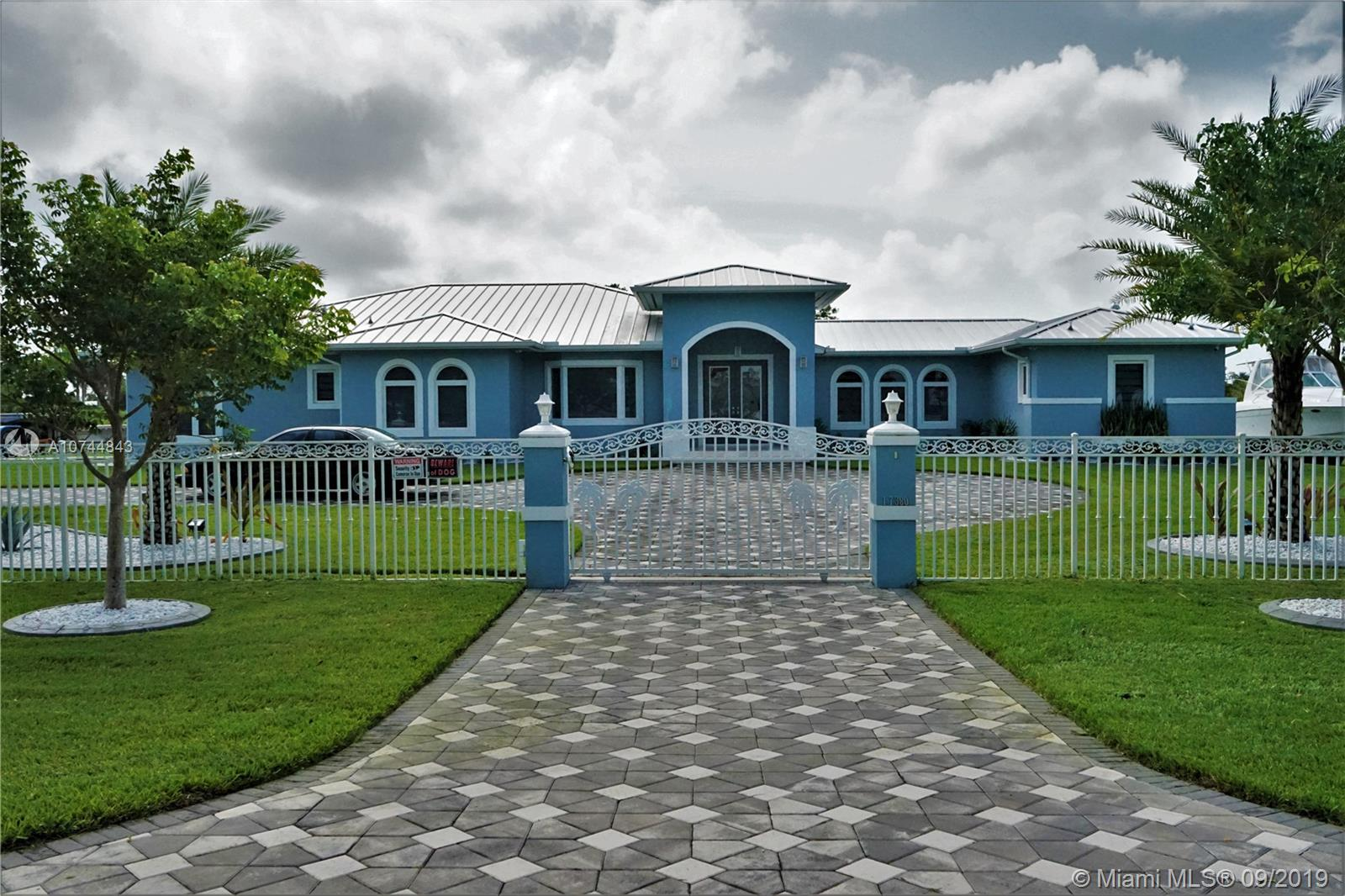 17380 SW 280th St  For Sale A10744843, FL