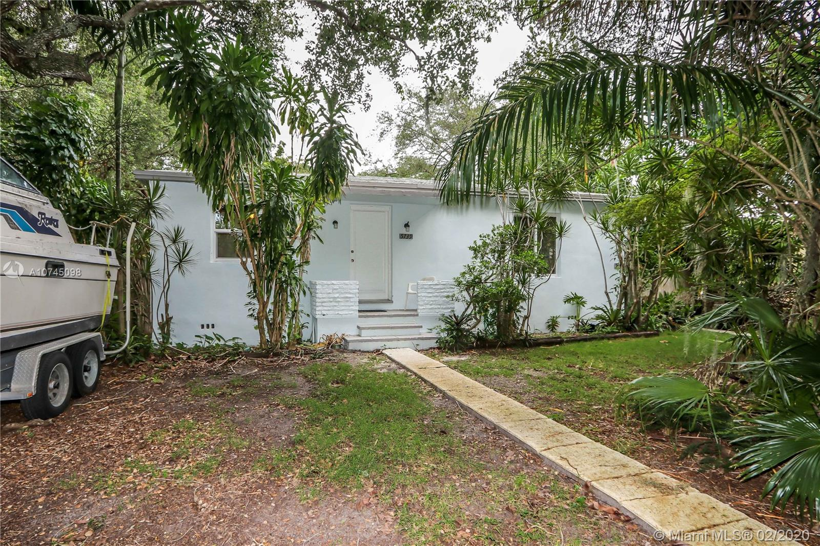 5739 SW 58th Ter  For Sale A10745098, FL