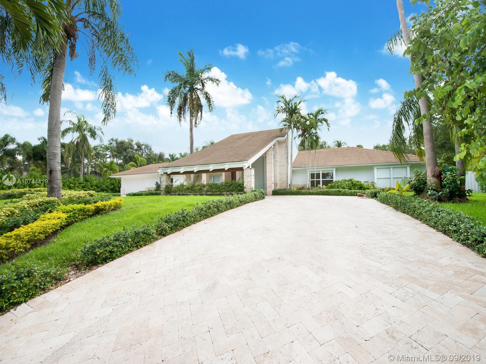 11821 SW 57th Ct  For Sale A10744419, FL