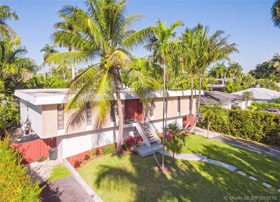 7410  Beachview Dr  For Sale A10745429, FL