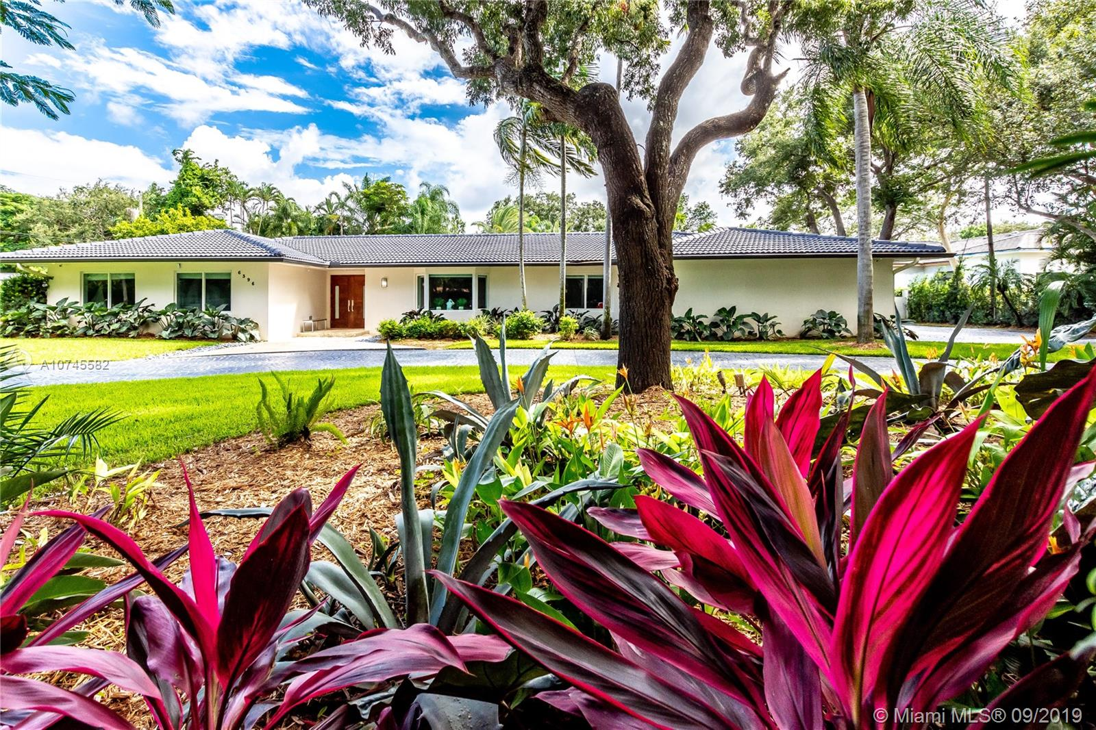 6396 SW 96th St  For Sale A10745582, FL