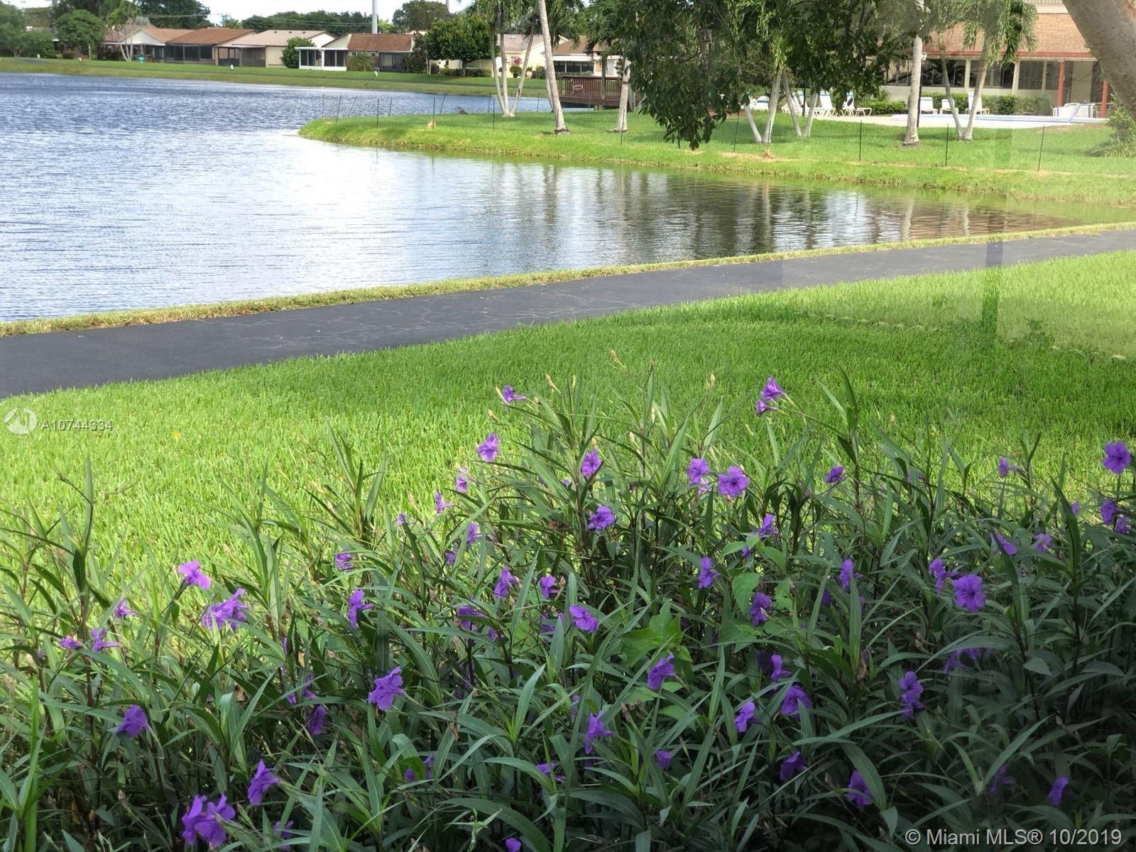 5363 Mirror Lakes Blvd, Boynton Beach, FL 33472