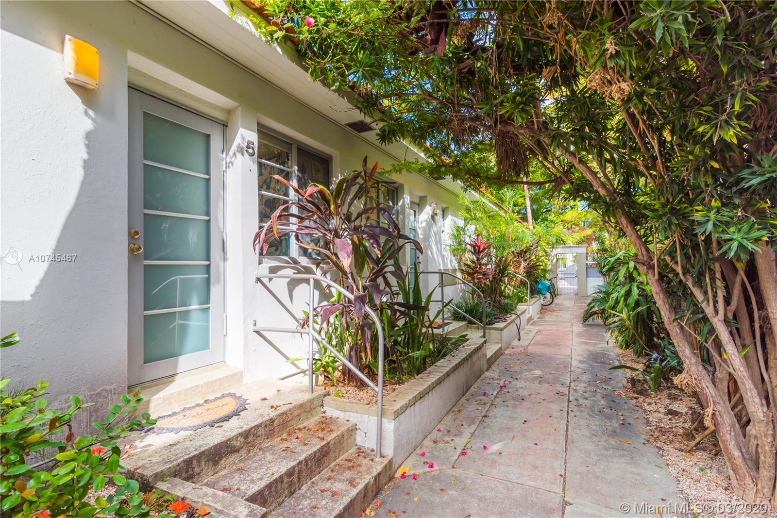 744  Lenox Ave #5 For Sale A10745467, FL