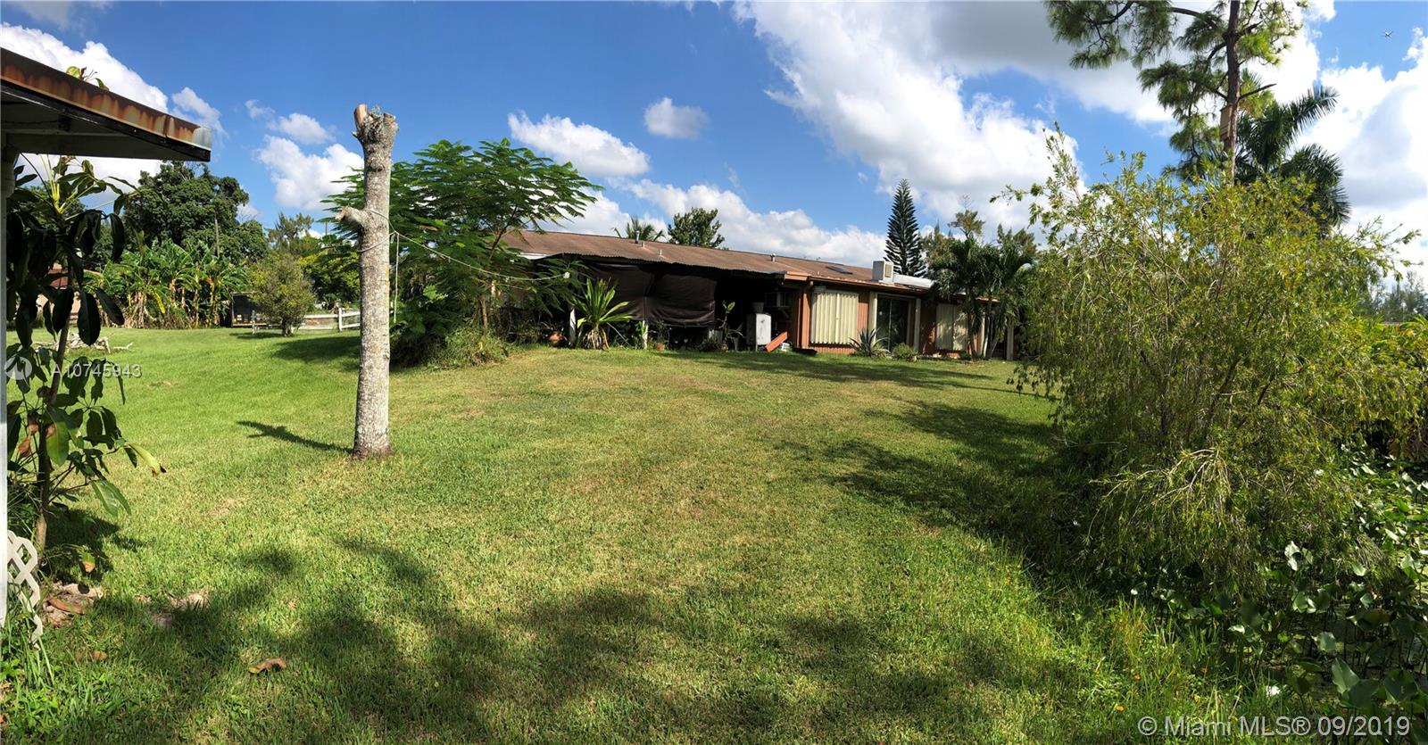 12915 SW 52nd St, Southwest Ranches FL 33331