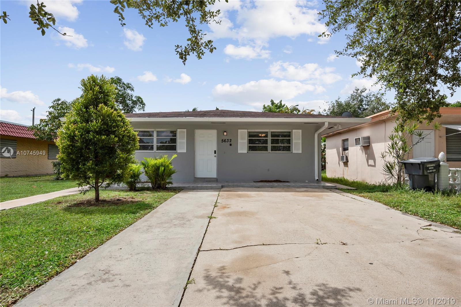 5632  Hayes St  For Sale A10745949, FL