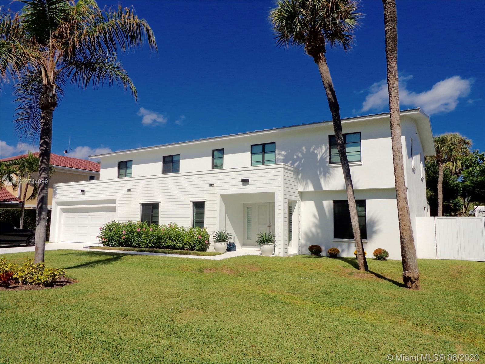 226 Cove Pl, Jupiter Inlet Colony, FL 33469