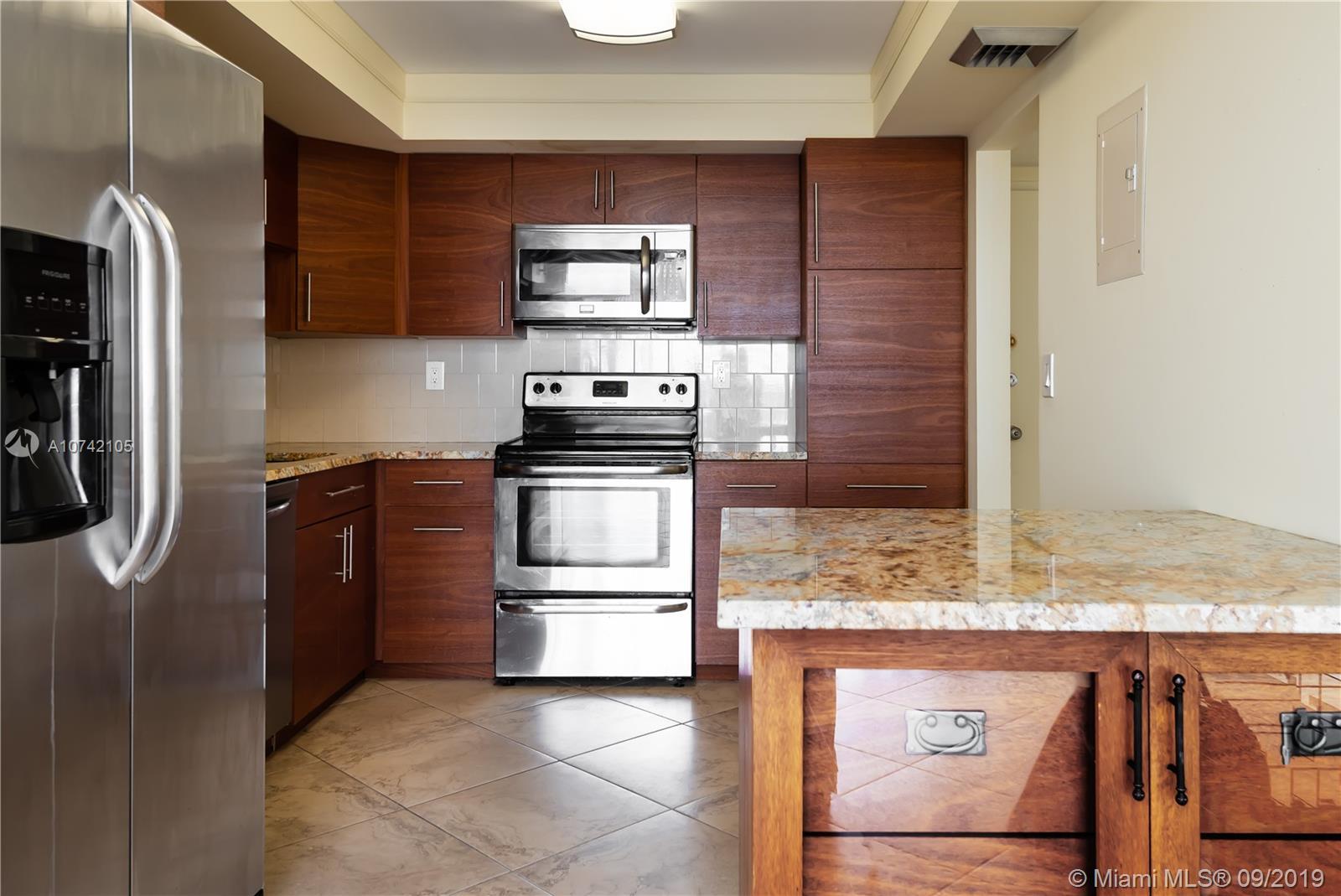 18031  Biscayne Blvd #903 For Sale A10742105, FL