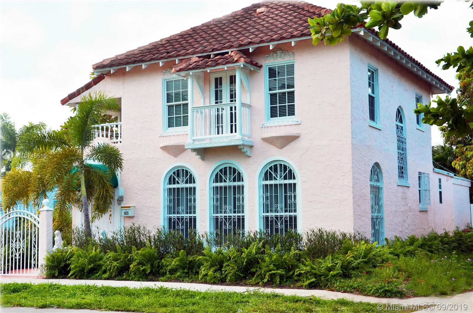 1625  Johnson St  For Sale A10745519, FL