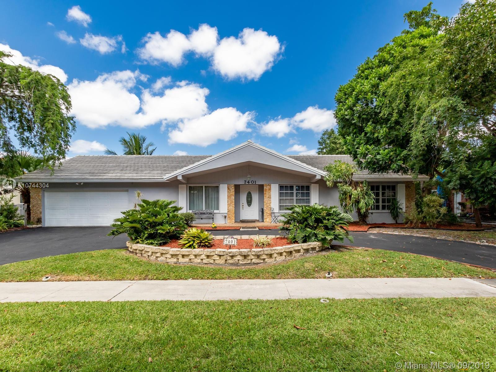 7401 SW 18th St, Plantation, FL 33317