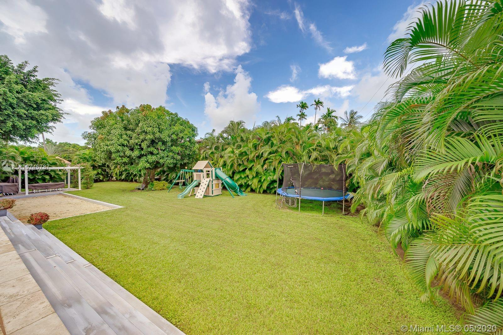 534 W 30th St  For Sale A10746787, FL