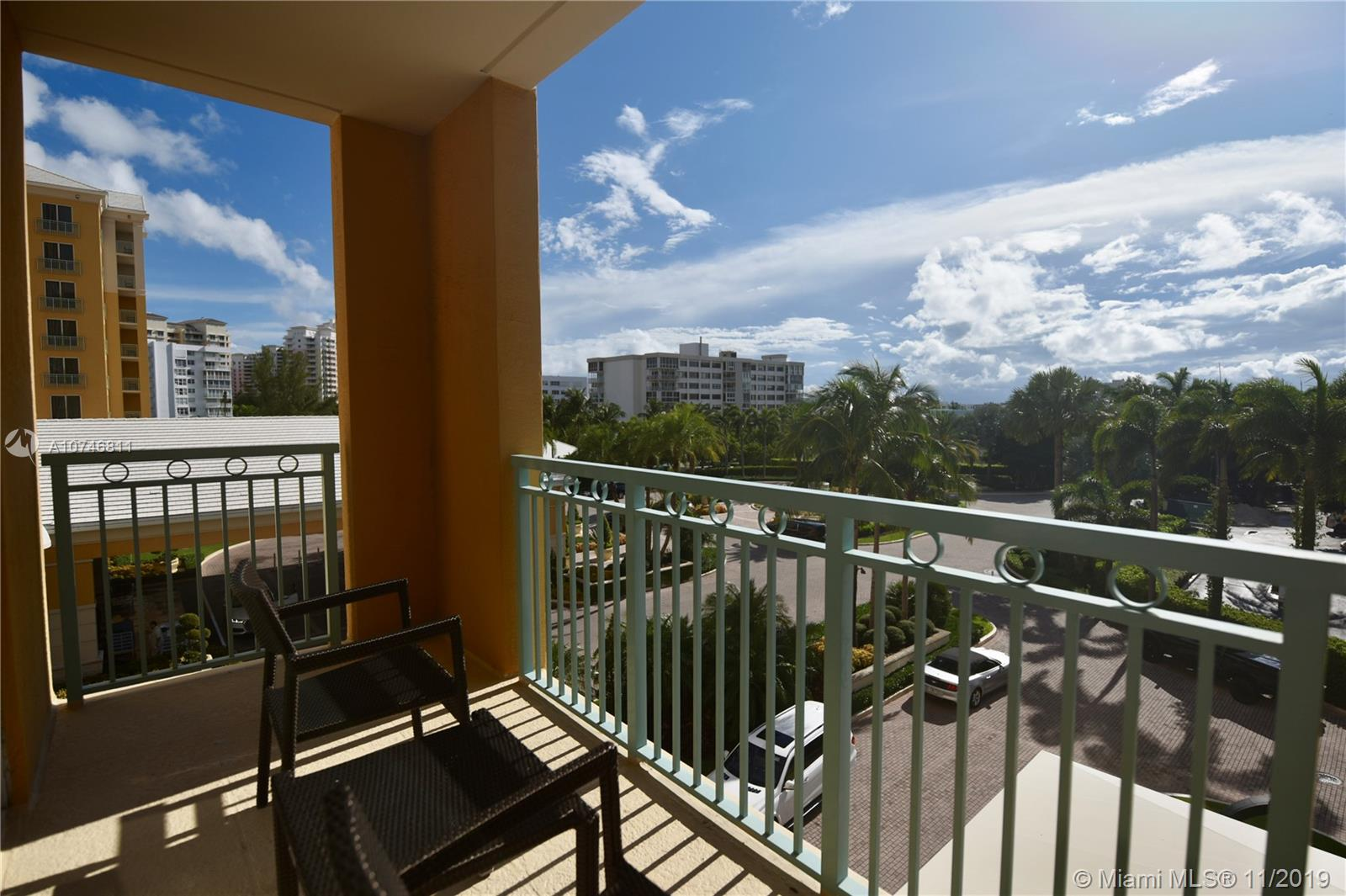 """Renovated studio at The Ritz-Carlton in Key Biscayne.  The building has had a multi-million dollar renovation, offering new state of the art restaurant with views to the ocean, along with (2) beach side restaurants and an in house café. Hotel amenities include concierge service, valet, gym, tennis, spa, beach service and more. Enjoy all of the amenities of the Ritz-Carlton hotel while you have the hotel manage your unit when you are away. Call listing agent for easy showing instructions."""""""