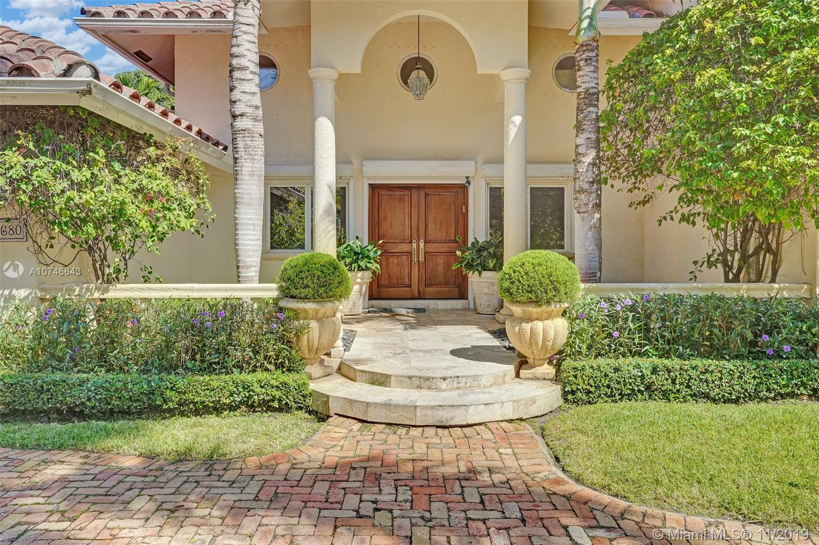 680 N Island Dr  For Sale A10746643, FL